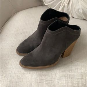 NWOT dolce Vita slip on ankle boots